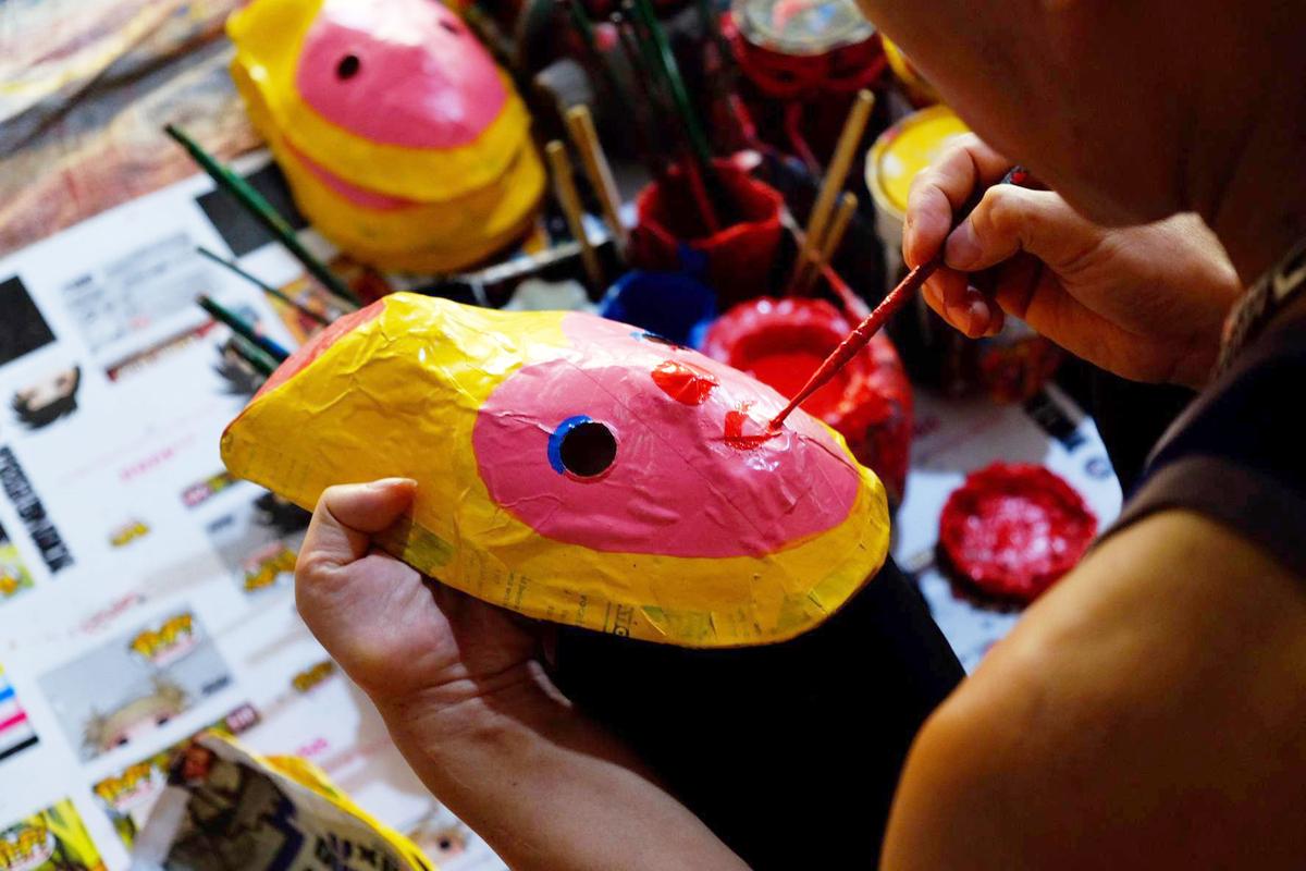 Du lịch dịp Trung Thu: Ghé thăm làng nghề đồ chơi dân gian gần Hà Nội - Ảnh 3.