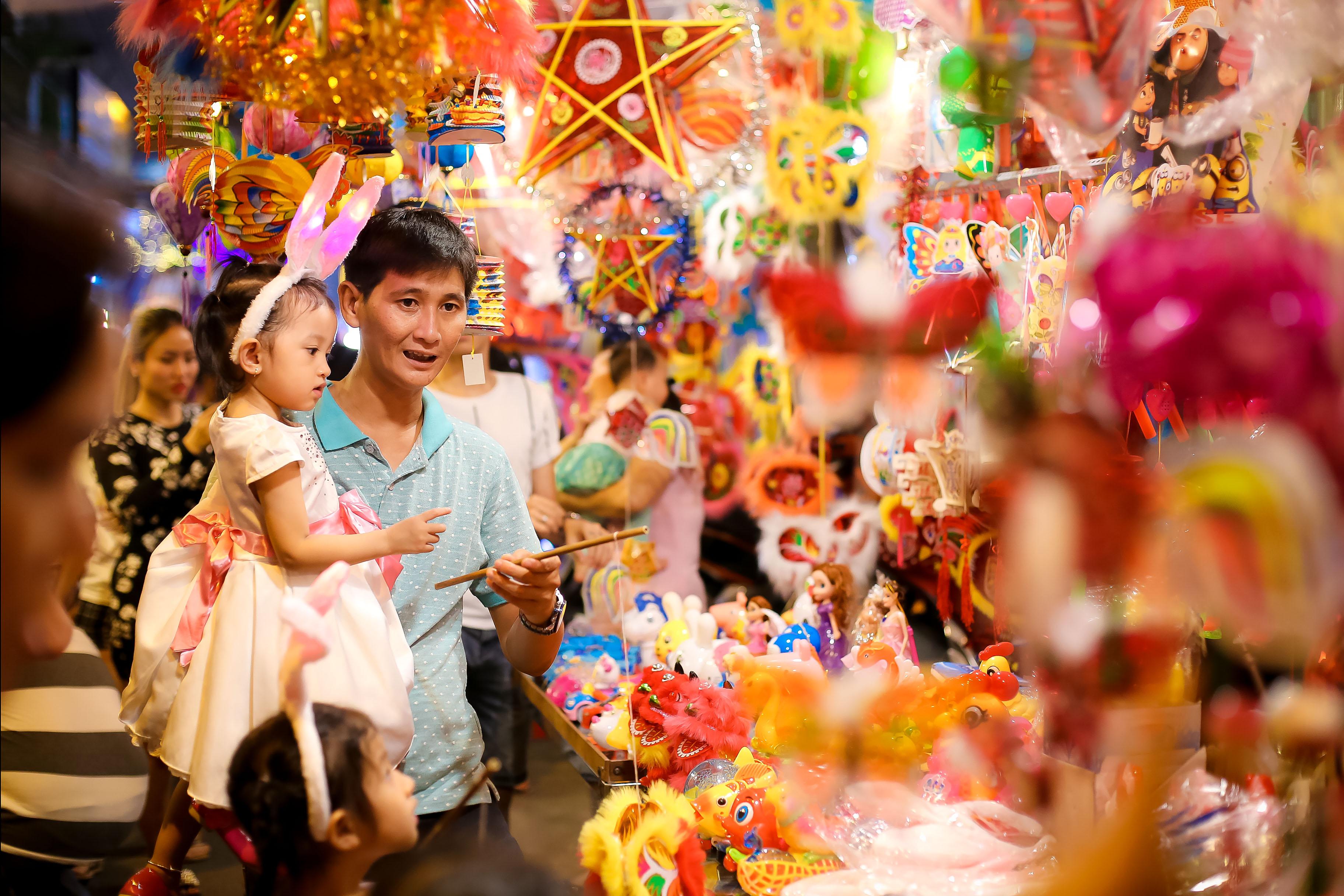 Trẻ em Sài Gòn thỏa sức vui hội trăng rằm miễn phí tại loạt địa điểm thân quen - Ảnh 11.