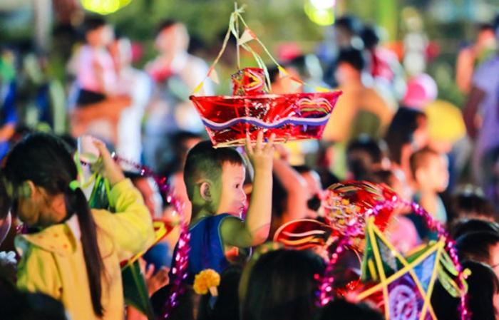 Trẻ em Sài Gòn thỏa sức vui hội trăng rằm miễn phí tại loạt địa điểm thân quen - Ảnh 1.