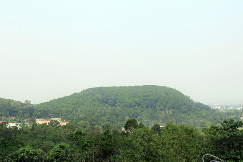 Núi Hàm Rồng Thanh Hoá, điểm đến hấp dẫn của vùng hữu ngạn sông Mã  - Ảnh 2.