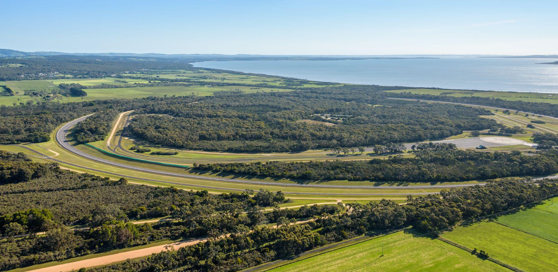 VinFast chính thức mua lại Trung tâm thử nghiệm xe rộng 872ha tại Australia - Ảnh 3.