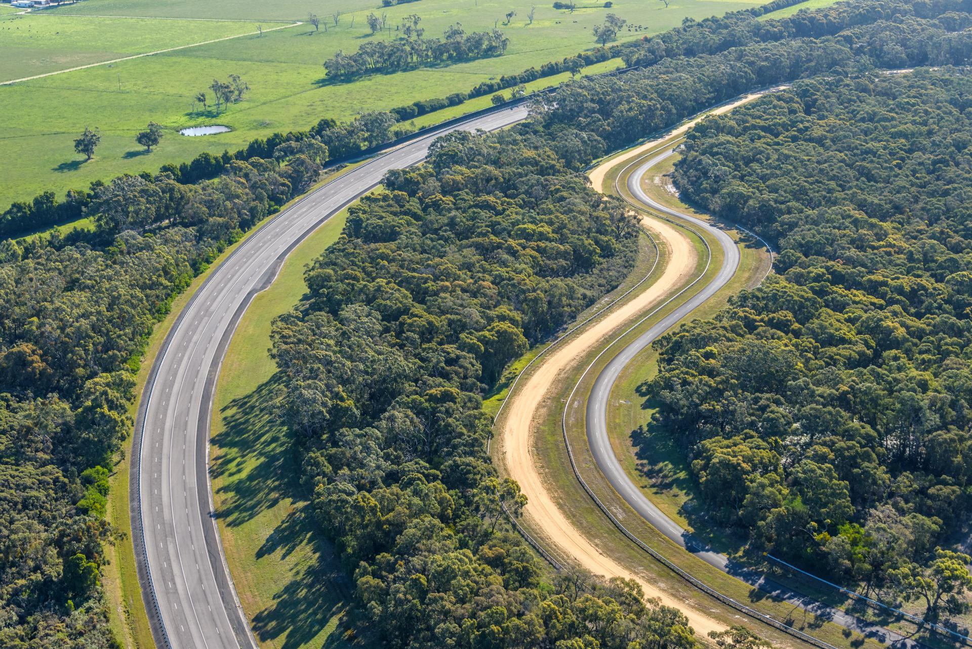 VinFast chính thức mua lại Trung tâm thử nghiệm xe rộng 872ha tại Australia - Ảnh 2.