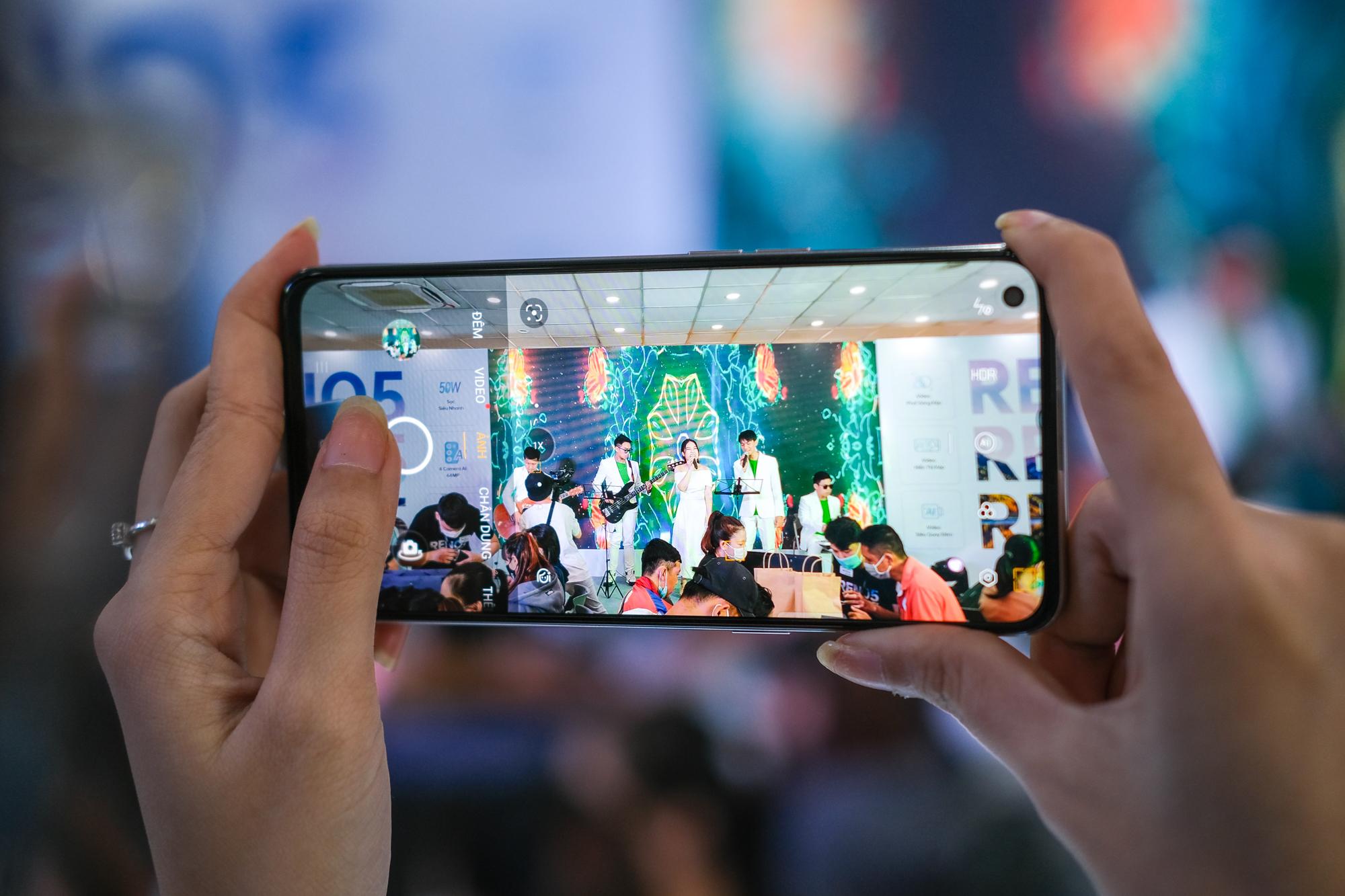 OPPO Reno5 áp đảo lượng đặt hàng nhiều chuỗi bán lẻ, tăng tốc thị trường điện thoại chụp Tết - Ảnh 3.