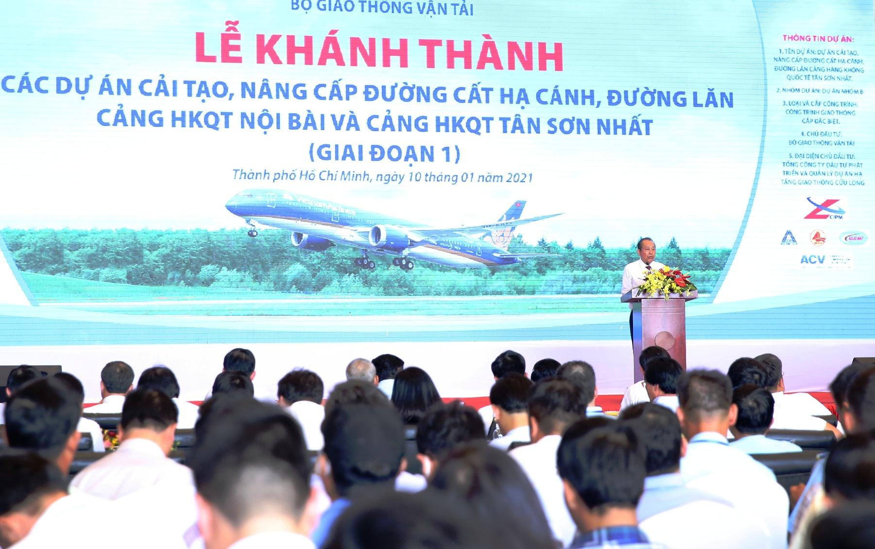 Khánh thành dự án cải tạo đường băng sân bay Tân Sơn Nhất và Nội Bài - Ảnh 1.