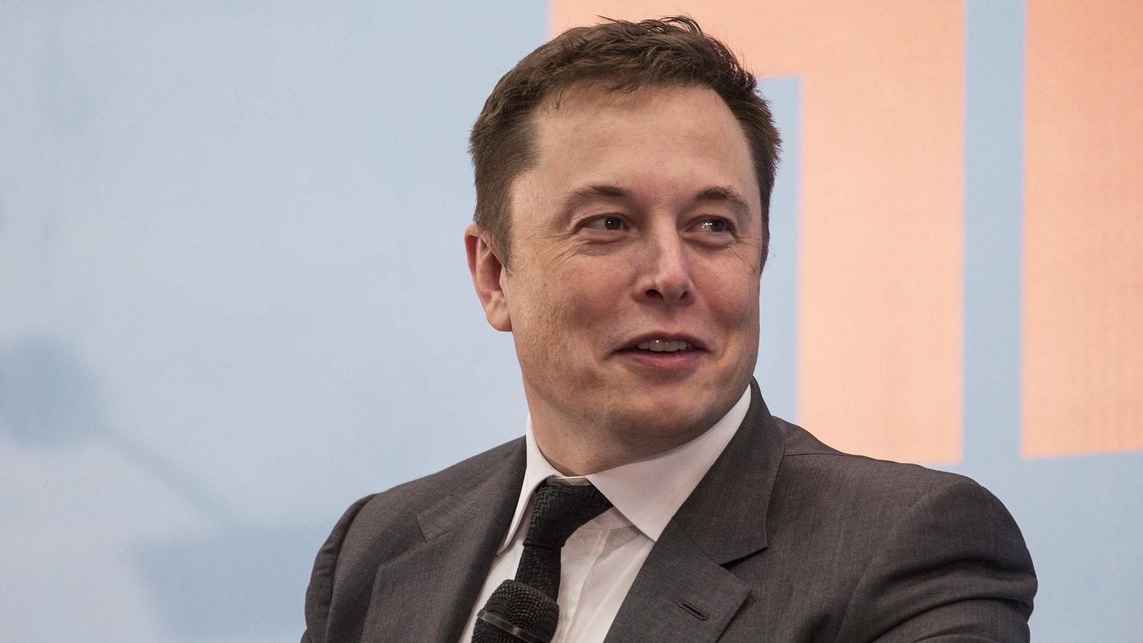 Hành trình trở thành người đàn ông giàu nhất hành tinh của Elon Musk - Ảnh 1.