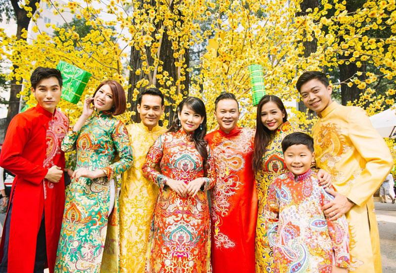 Lưu ngay 5 địa chỉ chụp ảnh áo dài Tết cực lung linh ở Sài Gòn - Ảnh 2.