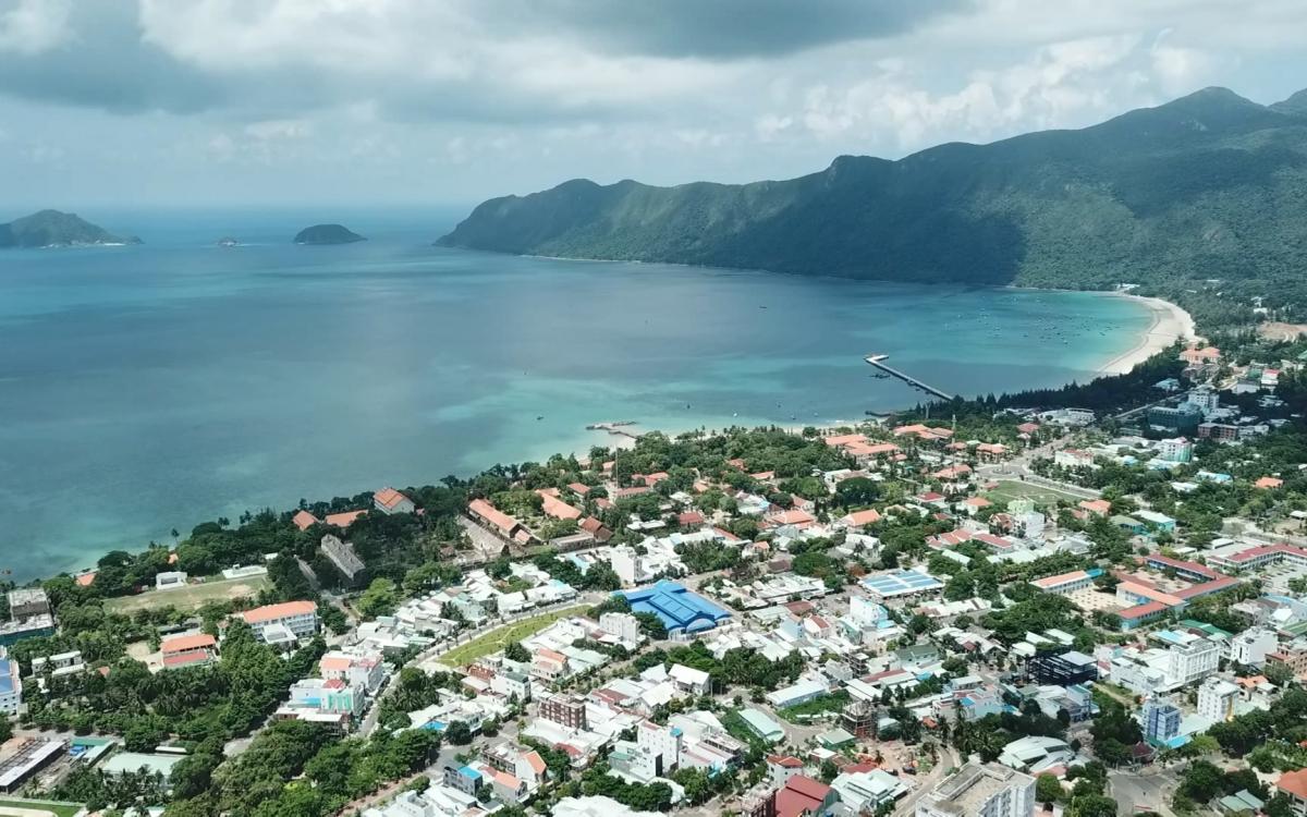 FLC muốn xây quần thể nghỉ dưỡng, sân golf tại Côn Đảo - Ảnh 1.