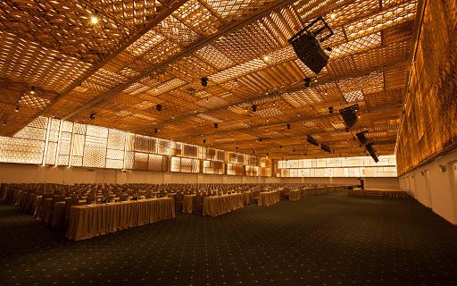Gợi ý một số địa điểm ấn tượng để tổ chức tiệc cuối năm tại TP HCM - Ảnh 2.