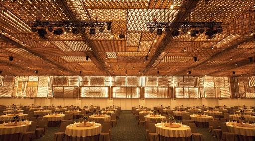 Gợi ý một số địa điểm ấn tượng để tổ chức tiệc cuối năm tại TP HCM - Ảnh 1.