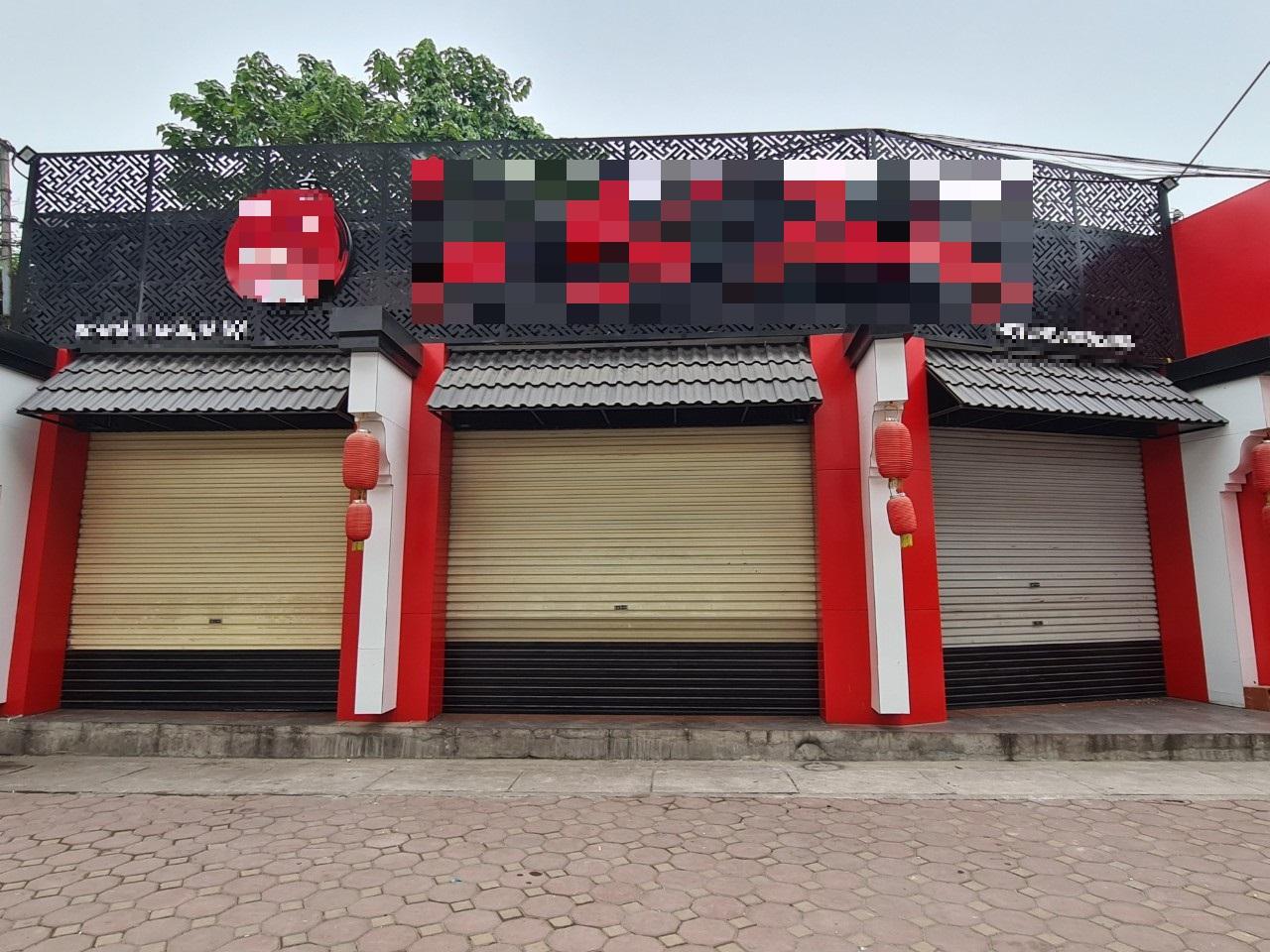 Xuất hiện mô hình kinh doanh 'bar street' độc đáo giữa lòng Hà Nội - Ảnh 2.