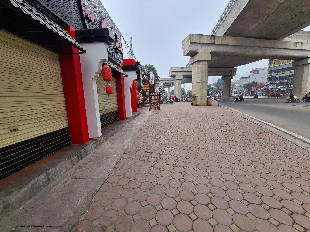 Xuất hiện mô hình kinh doanh 'bar street' độc đáo giữa lòng Hà Nội - Ảnh 3.