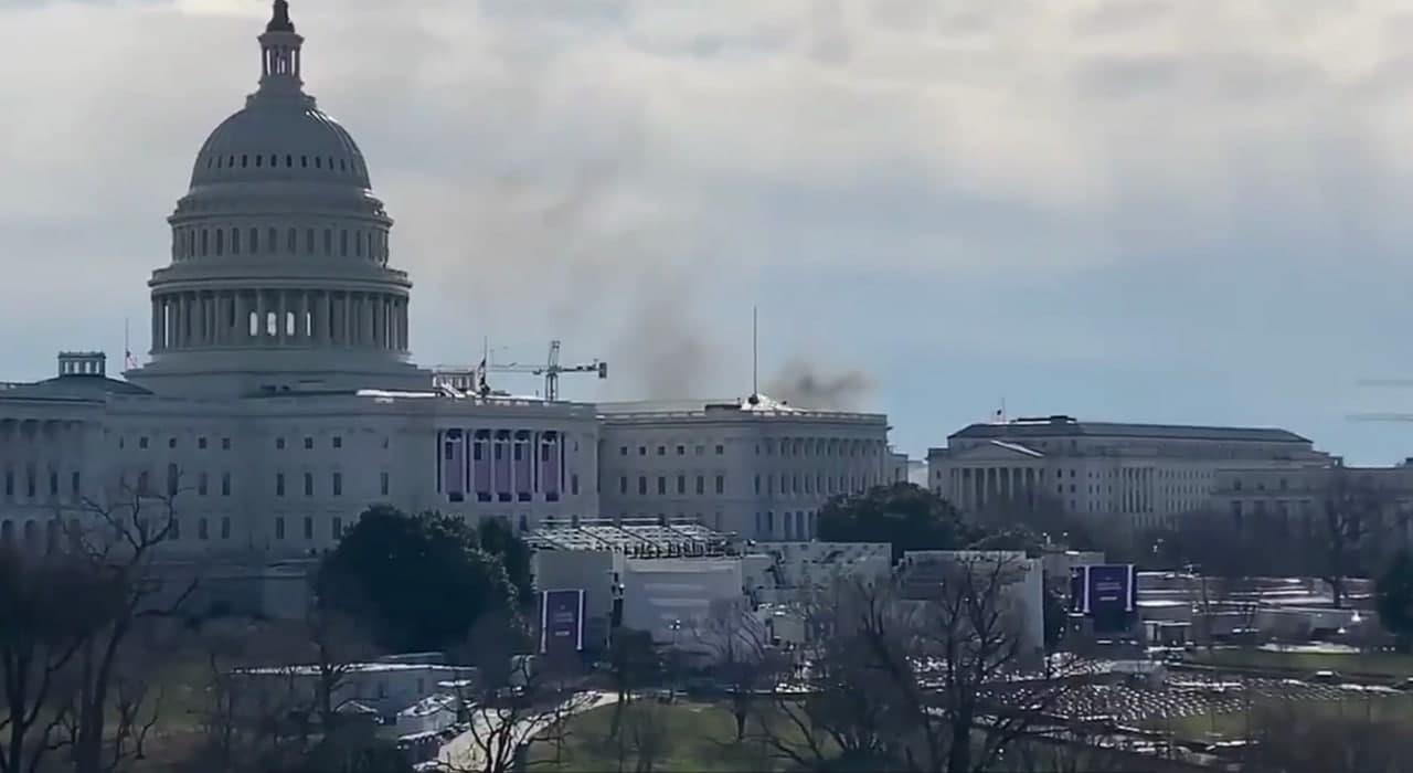Cháy cách vài dãy nhà, Điện Capitol rơi vào phong tỏa - Ảnh 1.