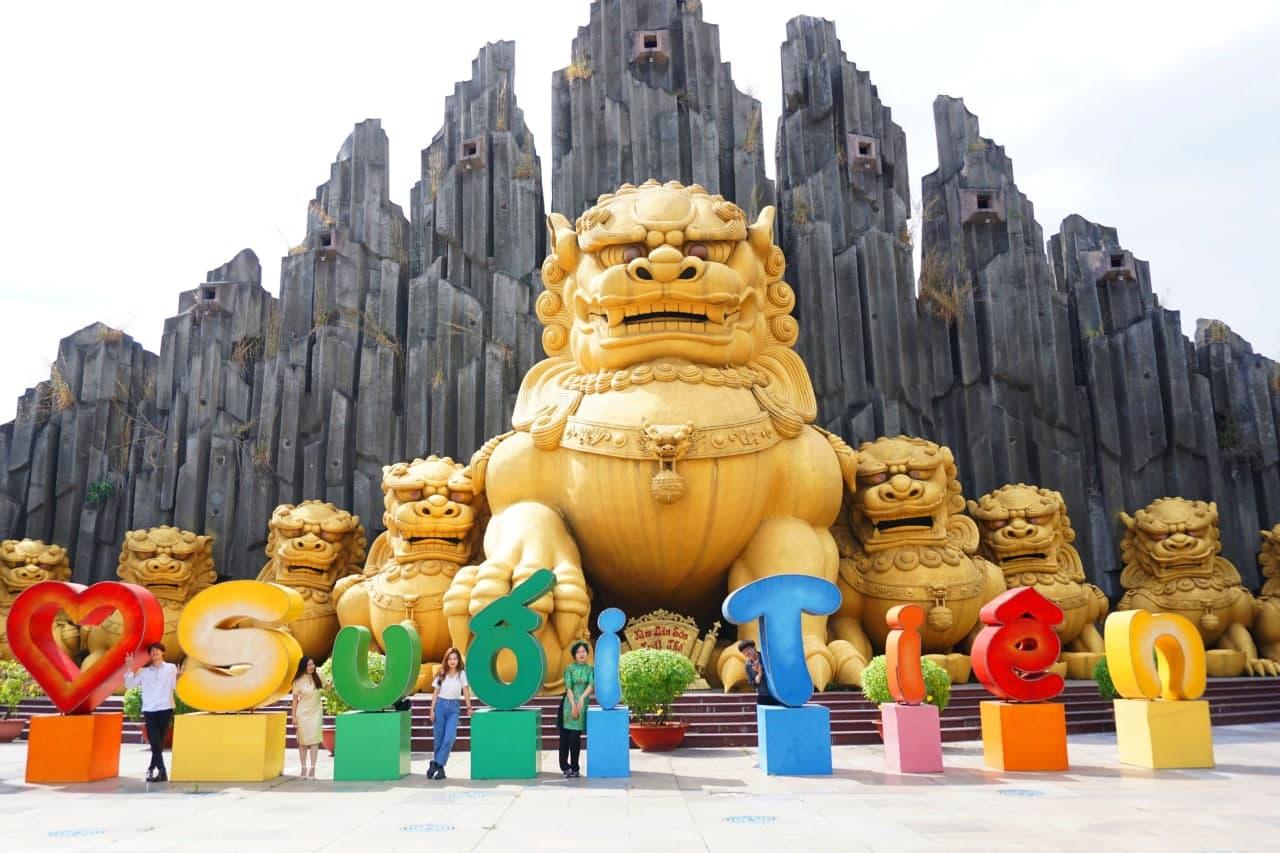 Khám phá những địa điểm vui chơi Tết Nguyên đán 2021 ở Sài Gòn 2021 - Ảnh 11.