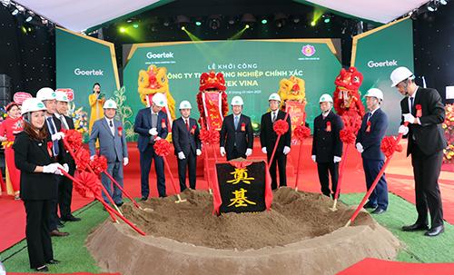 Khởi công nhà máy chế tạo thiết bị điện tử thông minh 100 triệu USD tại Nghệ An - Ảnh 1.