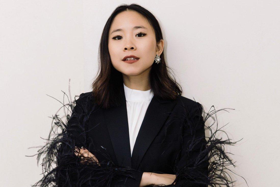 Nga Nguyen, chị gái 'bệnh nhân số 17', bất ngờ ra mắt thương hiệu khẩu trang, nước rửa tay - Ảnh 1.