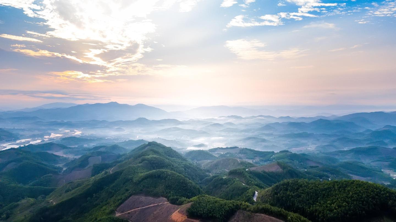 Ghé thăm núi Thiên Ấn, 'đệ nhất phong cảnh' của tỉnh Quảng Ngãi   - Ảnh 1.