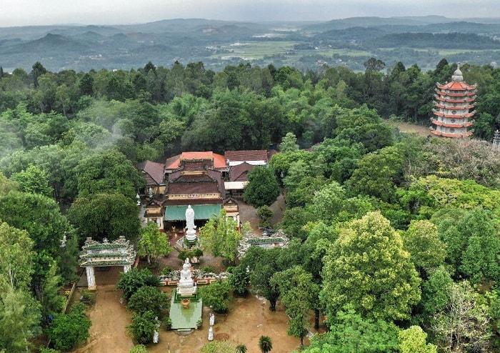 Ghé thăm núi Thiên Ấn, 'đệ nhất phong cảnh' của tỉnh Quảng Ngãi   - Ảnh 2.