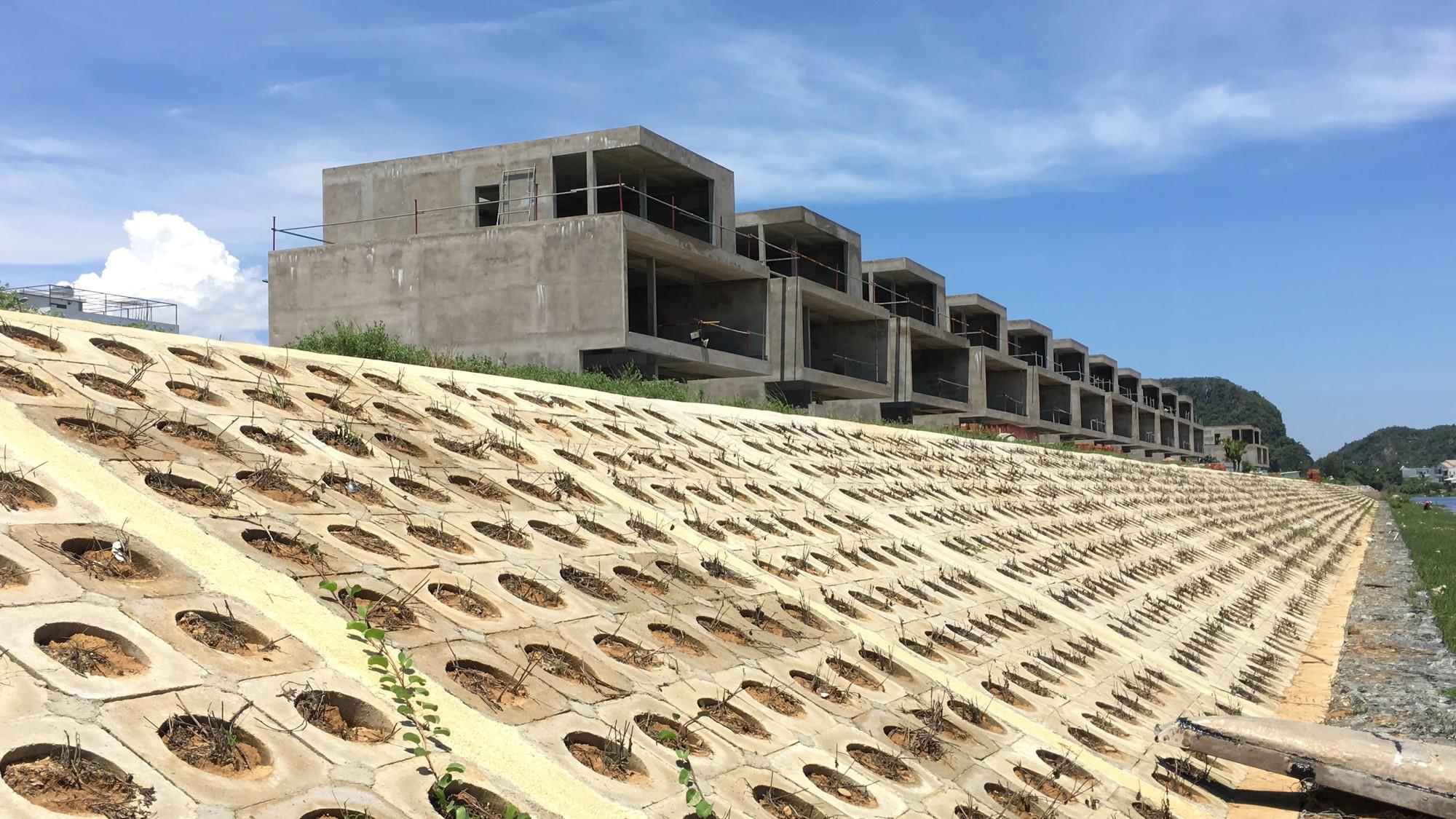 Đà Nẵng cấp sổ đối với 36 căn biệt thự của Đất Xanh Miền Trung từng bị thu hồi giấy phép - Ảnh 2.