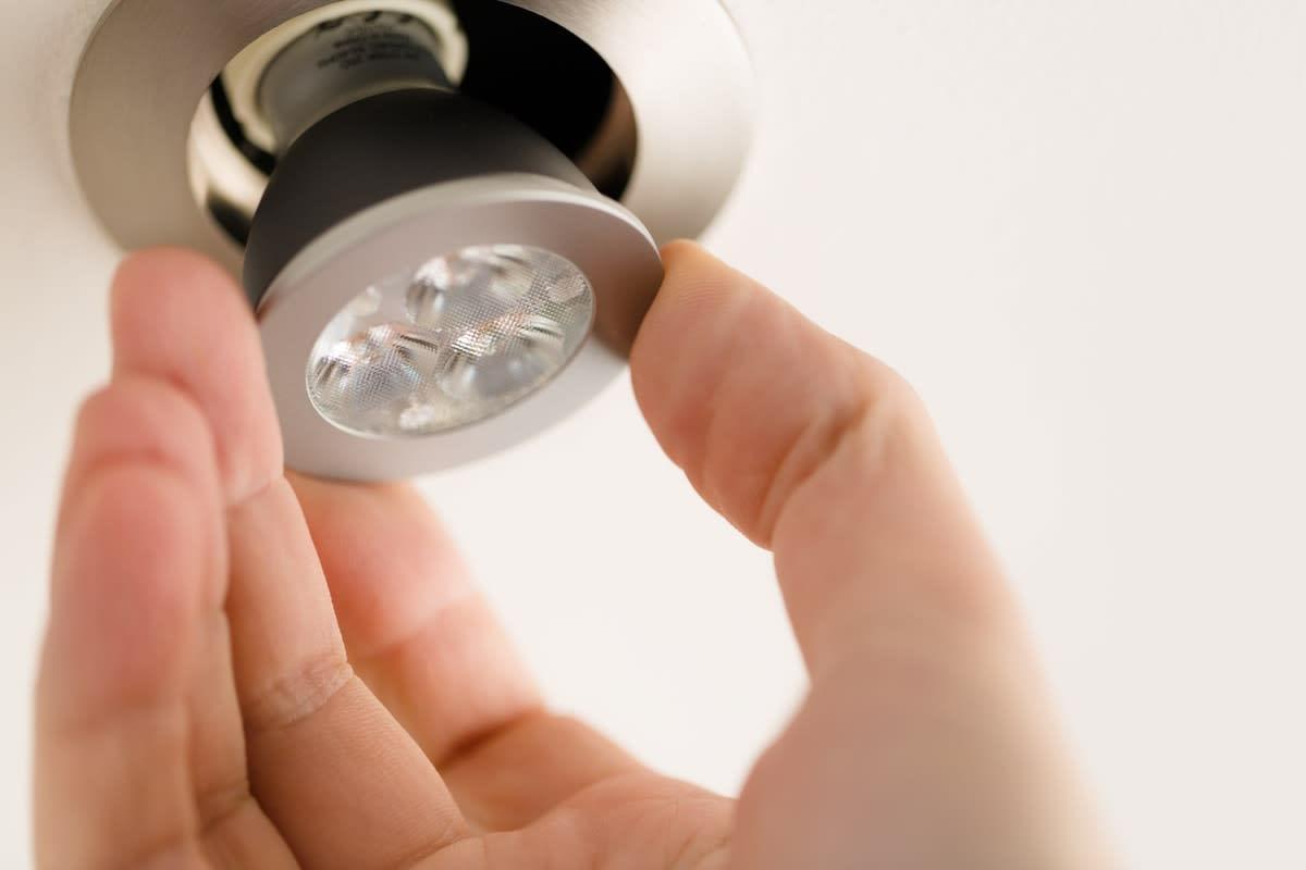 Tiếp xúc quá nhiều ánh sáng nhân tạo ảnh hưởng tiêu cực tới sức khỏe con người - Ảnh 3.