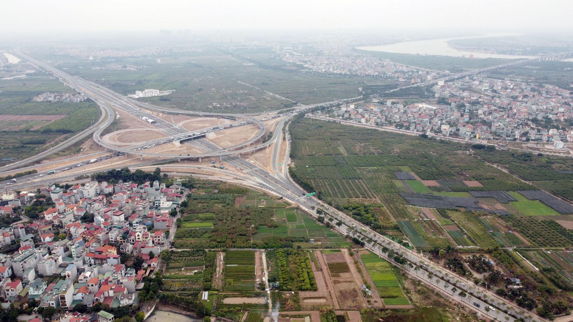 Cận cảnh nút giao đường Vành đai 3 với cao tốc Hà Nội - Hải Phòng trị giá 400 tỷ đồng - Ảnh 1.
