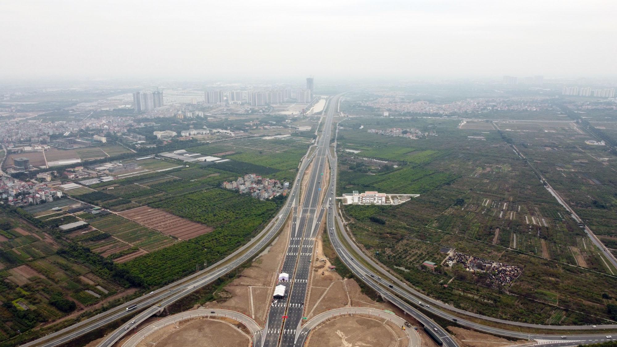 Cận cảnh nút giao đường Vành đai 3 với cao tốc Hà Nội - Hải Phòng trị giá 400 tỷ đồng - Ảnh 5.