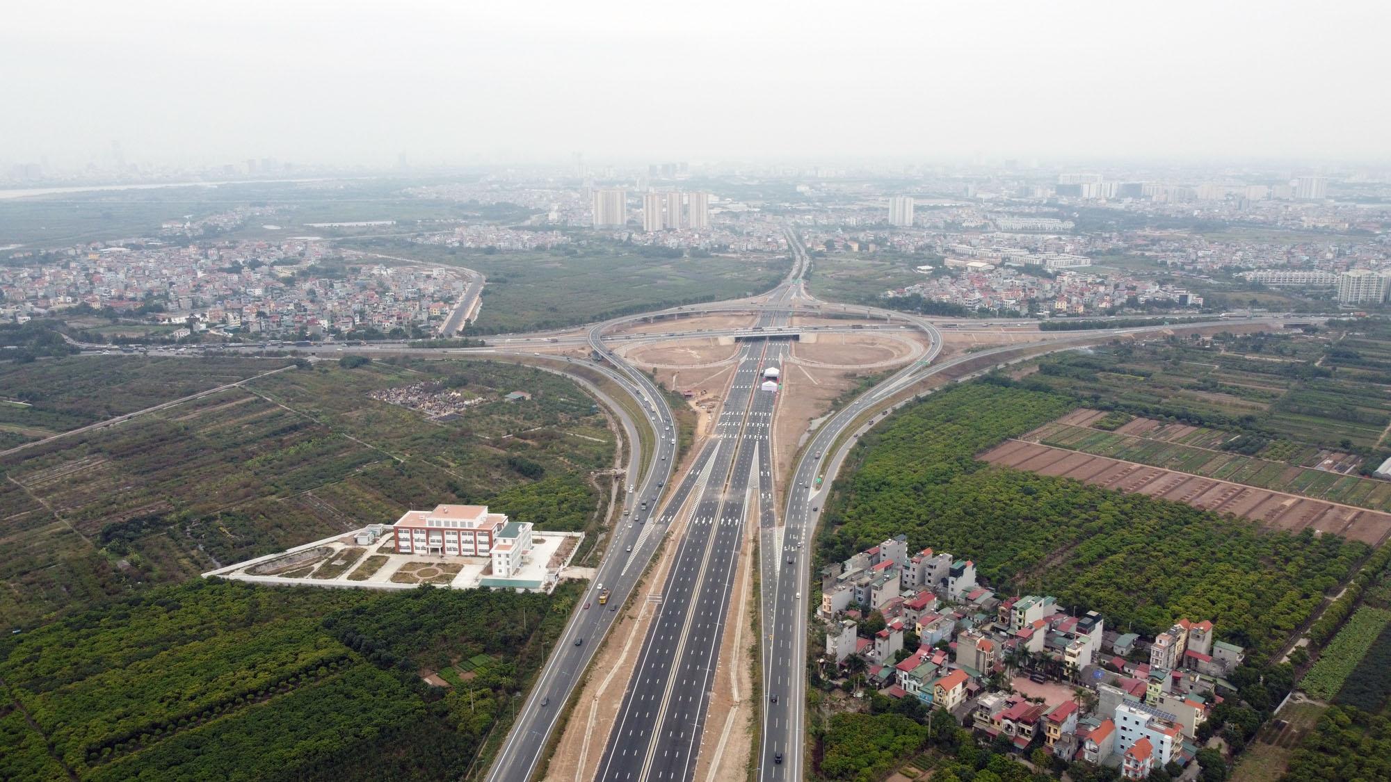Cận cảnh nút giao đường Vành đai 3 với cao tốc Hà Nội - Hải Phòng trị giá 400 tỷ đồng - Ảnh 8.