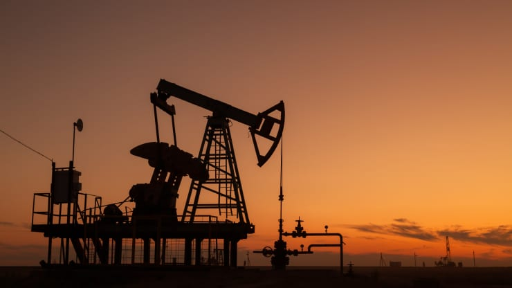 Giá xăng dầu hôm nay 12/10: Giá dầu tiếp tục đà tăng sau phiên tăng đầu tuần - Ảnh 1.