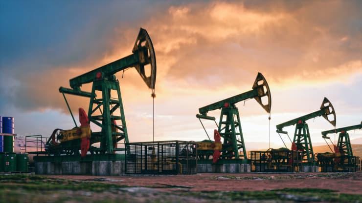 Giá xăng dầu hôm nay 13/10: Giá dầu tiếp tục tăng do khủng hoảng năng lượng toàn cầu - Ảnh 1.