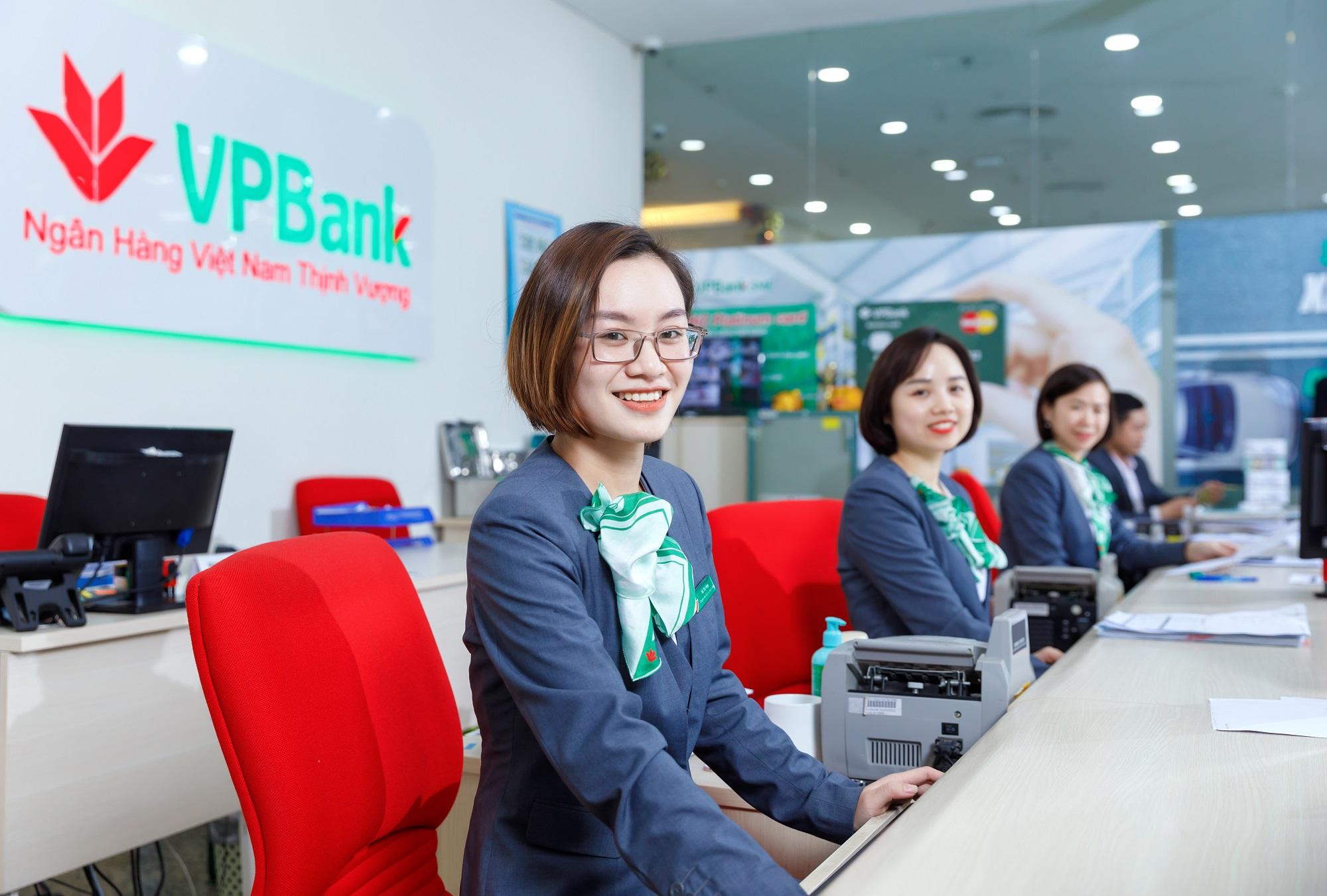 Cập nhật lãi suất tháng 10/2021 của ngân hàng VPBank - Ảnh 1.