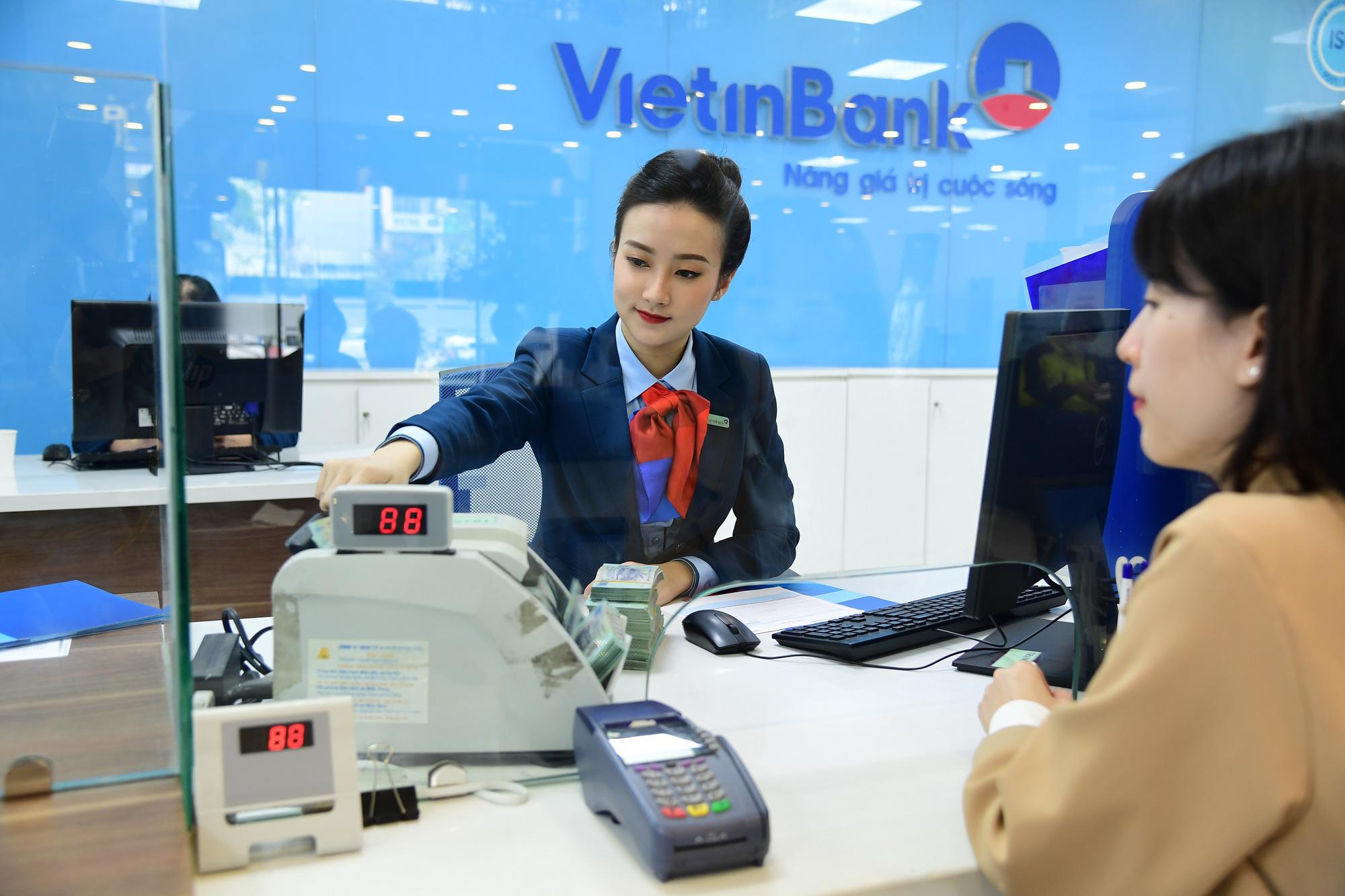 Lãi suất ngân hàng VietinBank tiếp tục giữ nguyên không đổi trong tháng 10/2021 - Ảnh 1.
