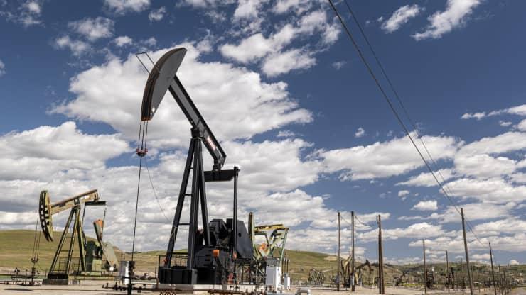 Giá xăng dầu hôm nay 7/10: Giá dầu giảm trở lại do hàng tồn kho của Mỹ tăng cao - Ảnh 1.