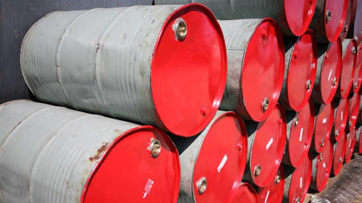Giá xăng dầu hôm nay 9/10: Giá dầu tiếp tục tăng cao chạm mức 80 USD/thùng - Ảnh 1.