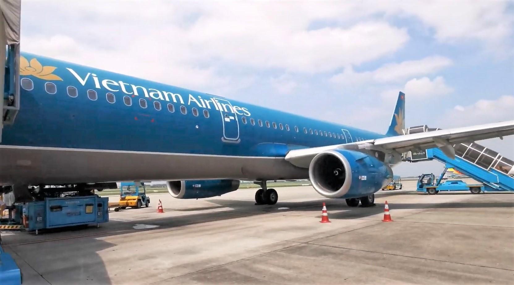 Các hãng hàng không được mở lại 19 đường bay từ ngày 10/10 - Ảnh 1.