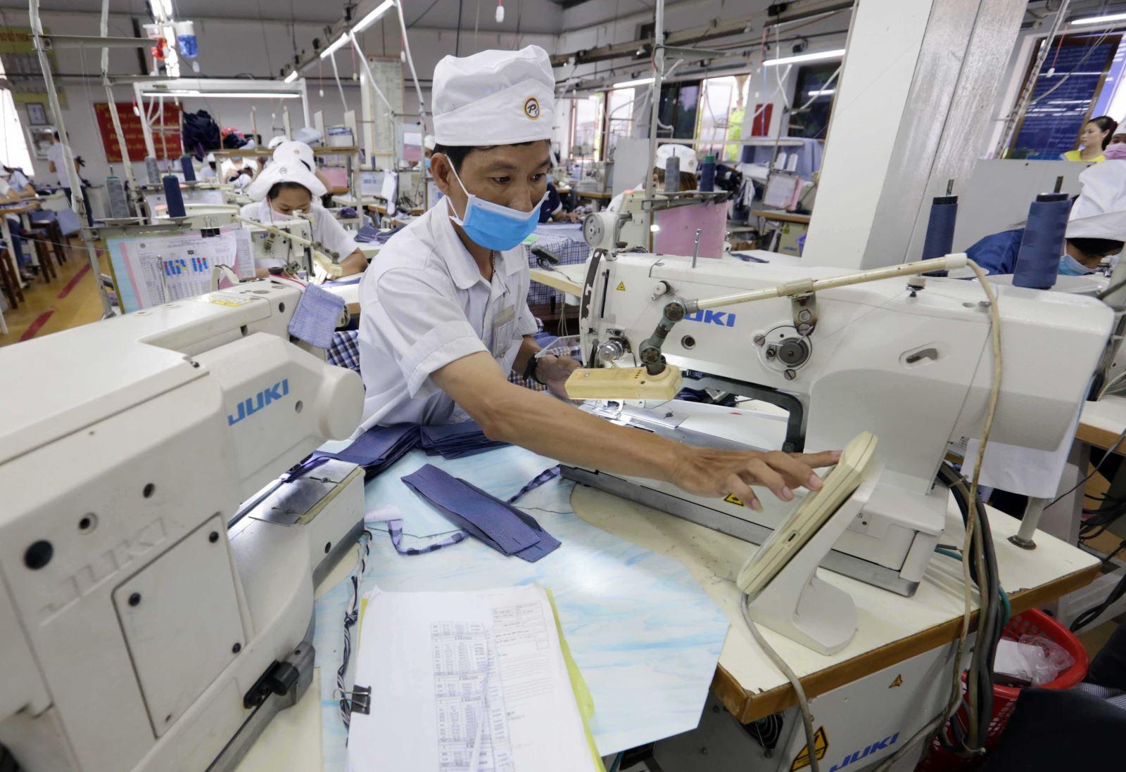 Doanh nghiệp Việt kỳ vọng phục hồi năm 2021 - Bài 1: Thích ứng với dịch Covid-19 - Ảnh 1.