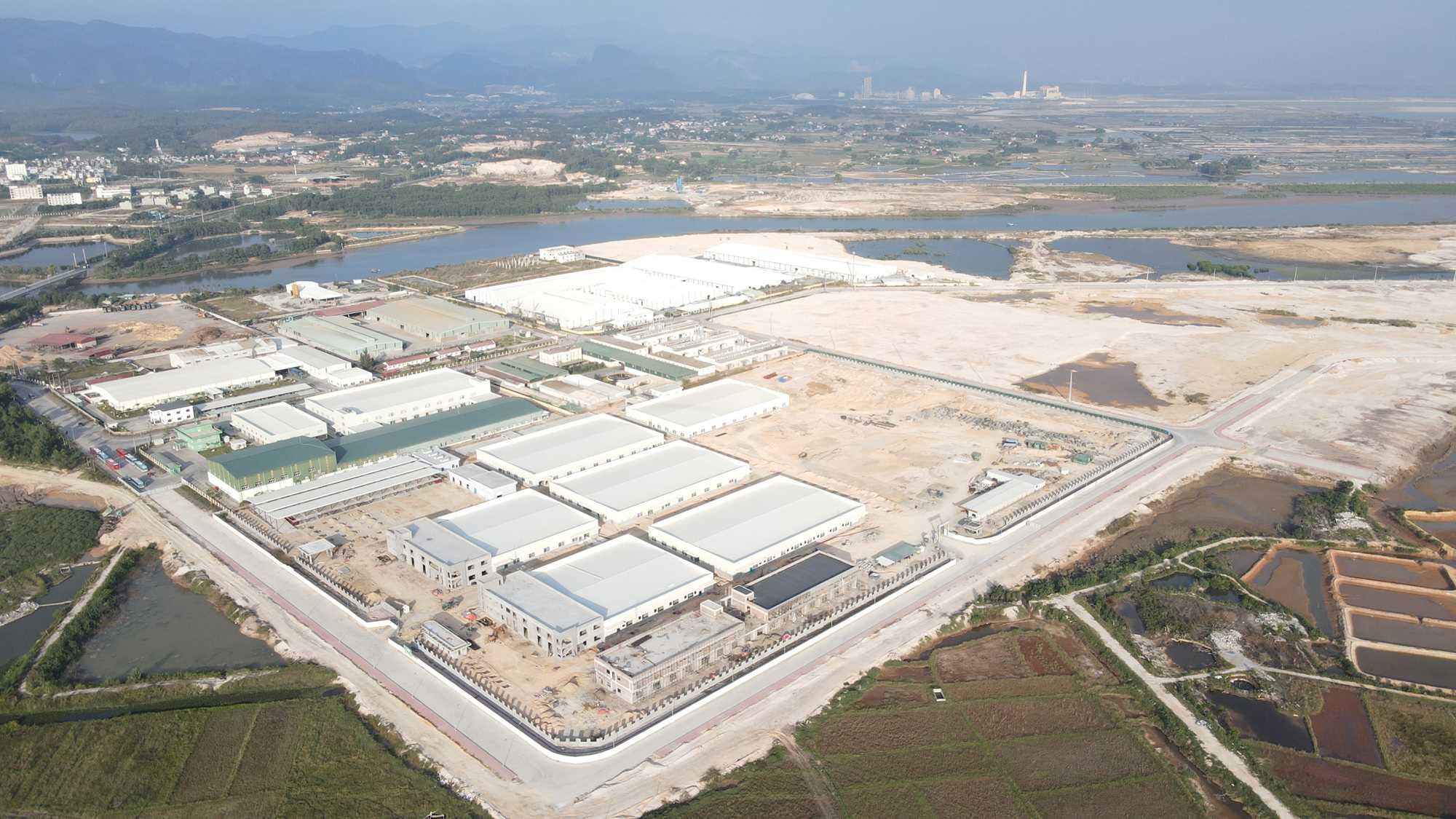 Hơn 20.000 tỷ đồng chảy vào các KCN Quảng Ninh trong năm 2020 - Ảnh 1.