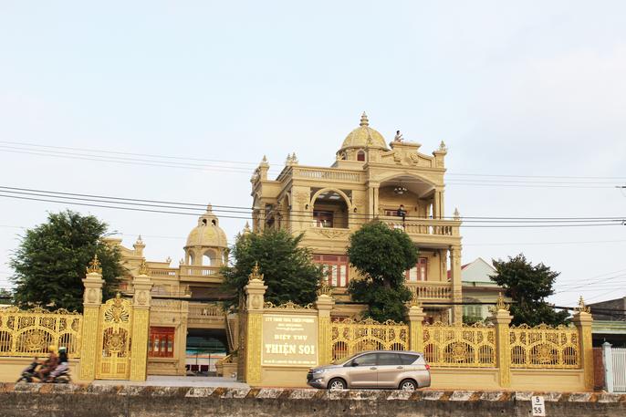 Những bất động sản dát vàng hàng trăm nghìn tỷ đồng của đại gia Việt - Ảnh 8.
