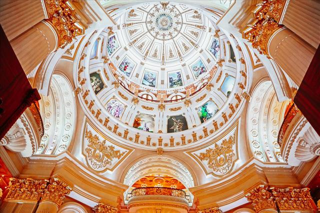 Những bất động sản dát vàng hàng trăm nghìn tỷ đồng của đại gia Việt - Ảnh 2.