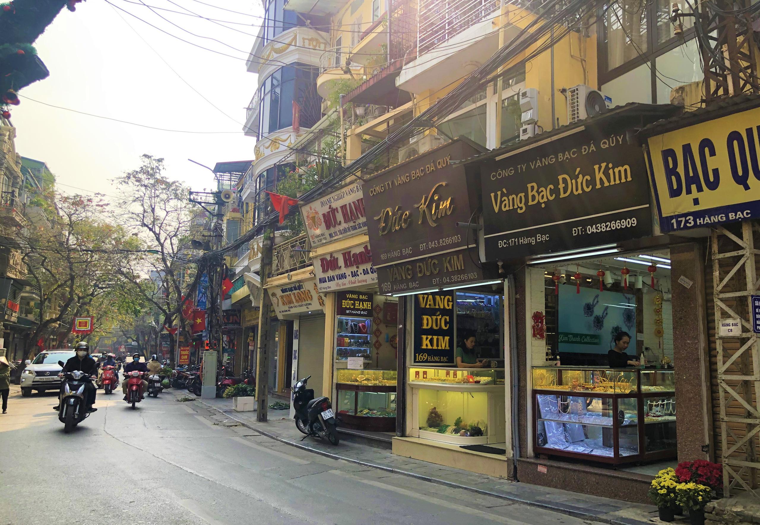 Giá đất tại những con phố bán vàng ở Hà Nội - Ảnh 1.