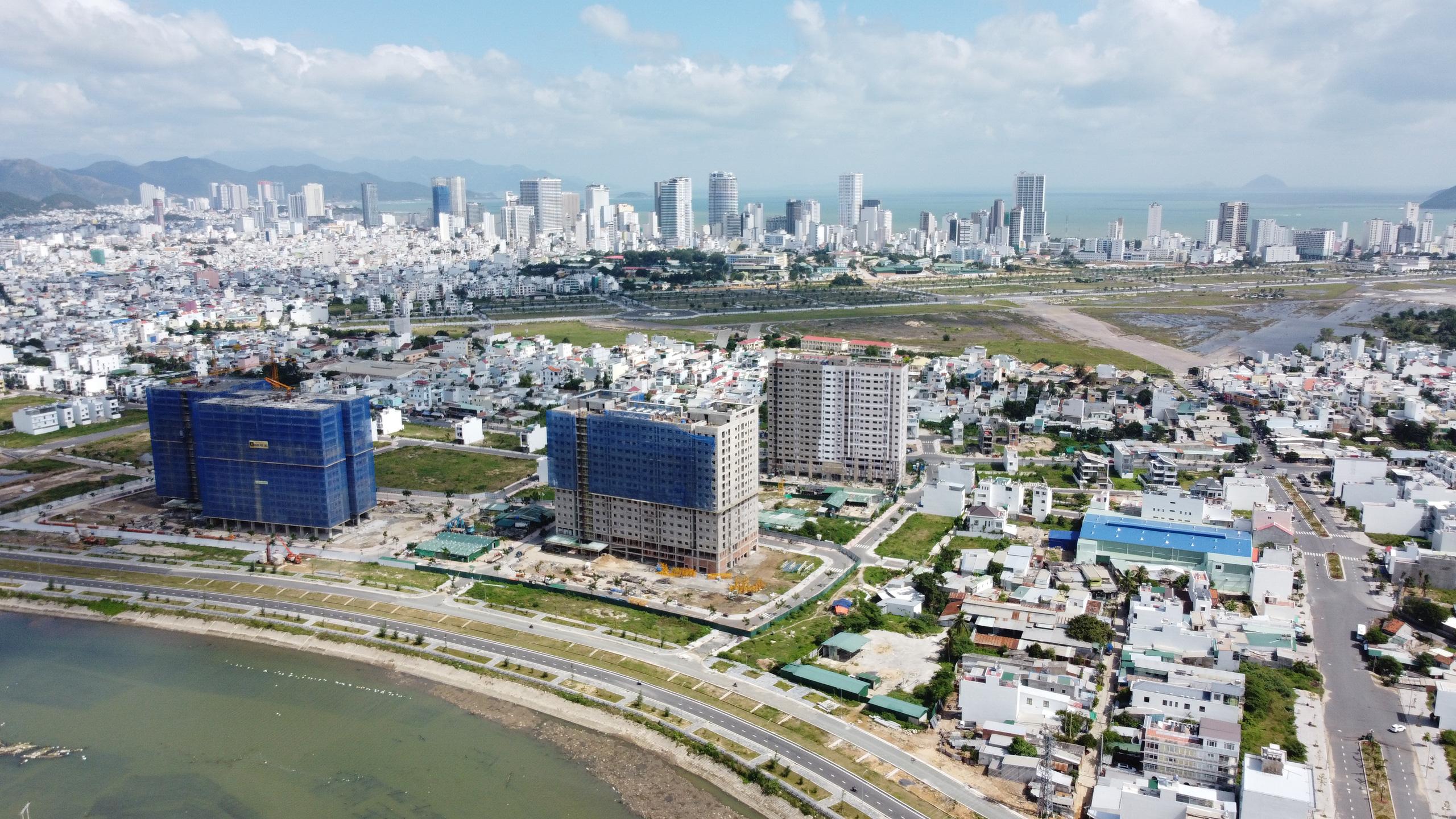 Nha Trang còn khoảng 11 ha đất sạch phát triển NƠXH nhưng nhà đầu tư chậm triển khai - Ảnh 1.