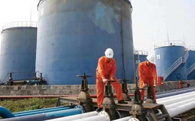Giá xăng dầu hôm nay 3/2: Giá dầu tiếp tục đà tăng nhờ vào việc cắt giảm sản lượng - Ảnh 1.