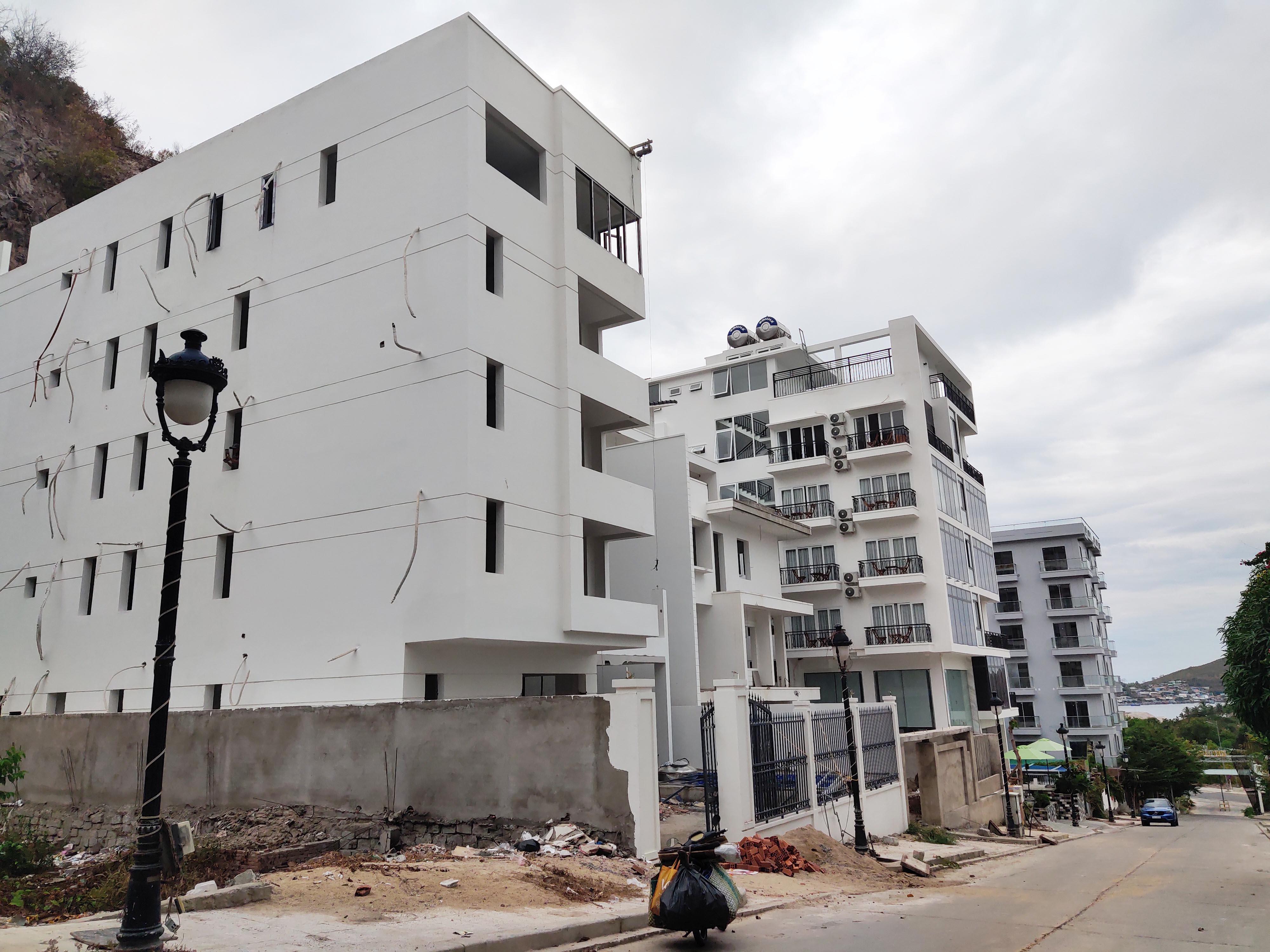 Khánh Hòa: Hơn 900 công trình xây dựng sai phạm - Ảnh 1.
