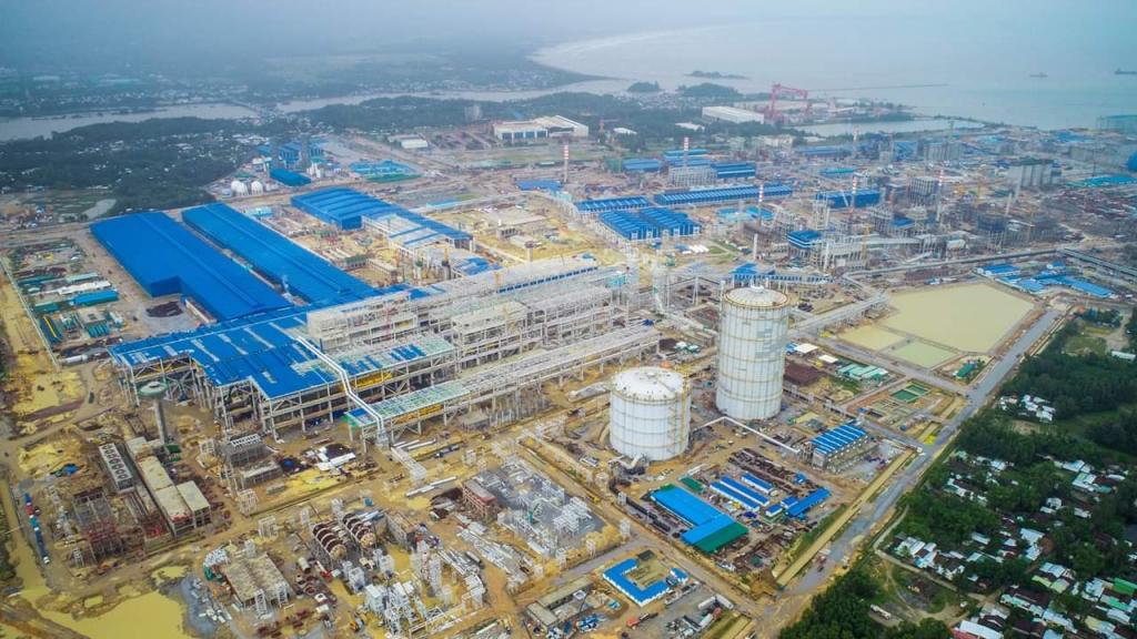 Hòa Phát muốn có nhanh quỹ đất sạch 166 ha để triển khai Khu liên hợp gang thép Dung Quất 2 - Ảnh 1.