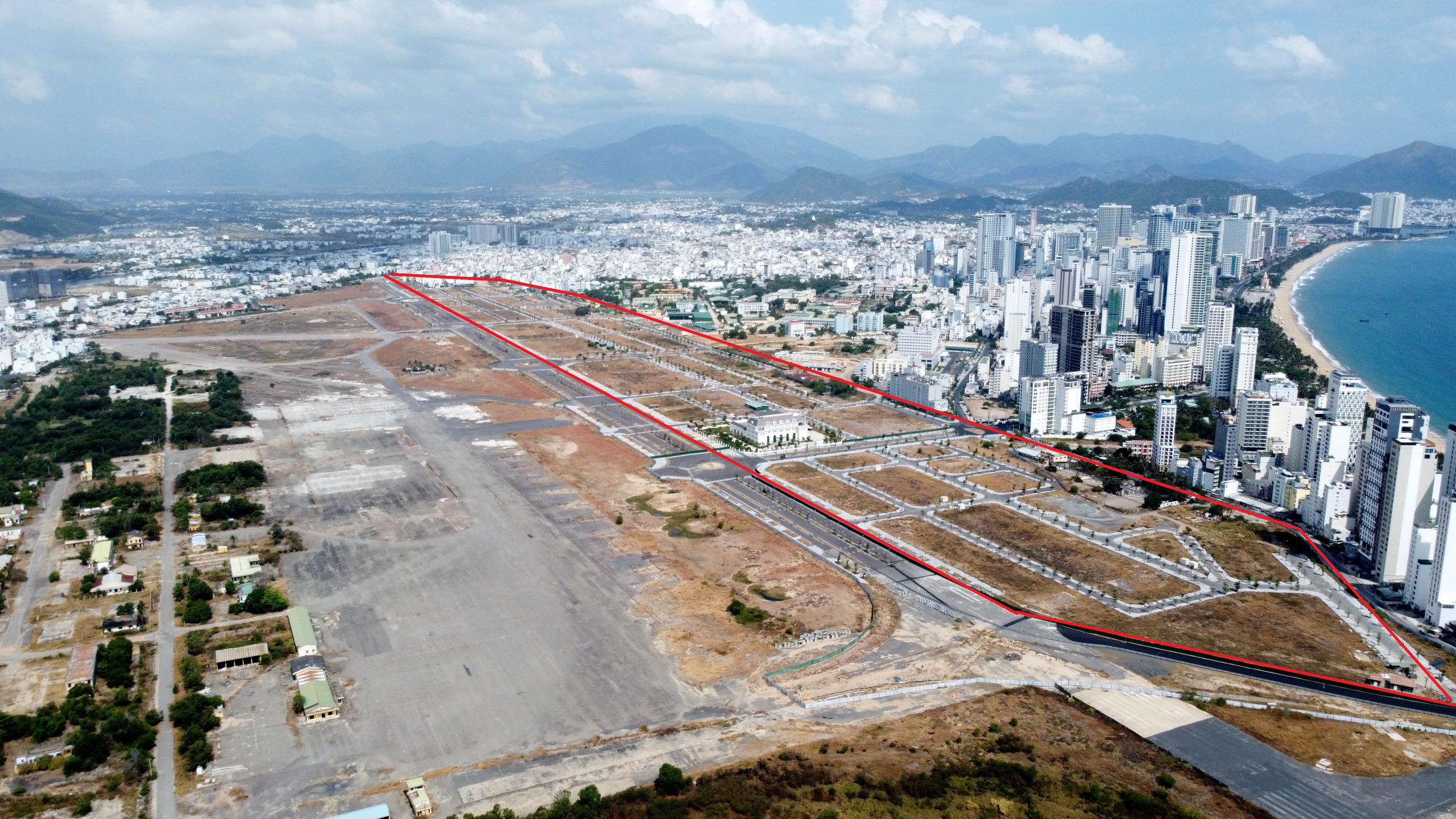 Cận cảnh khu đất sân bay Nha Trang cũ chuẩn bị đấu giá đất - Ảnh 5.