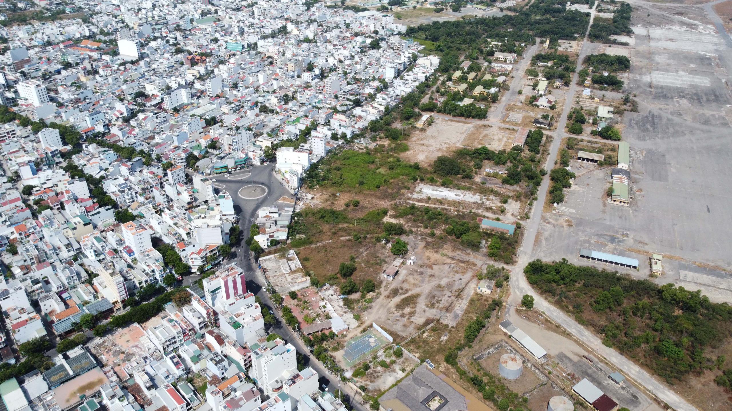Cận cảnh khu đất sân bay Nha Trang cũ chuẩn bị đấu giá đất - Ảnh 11.