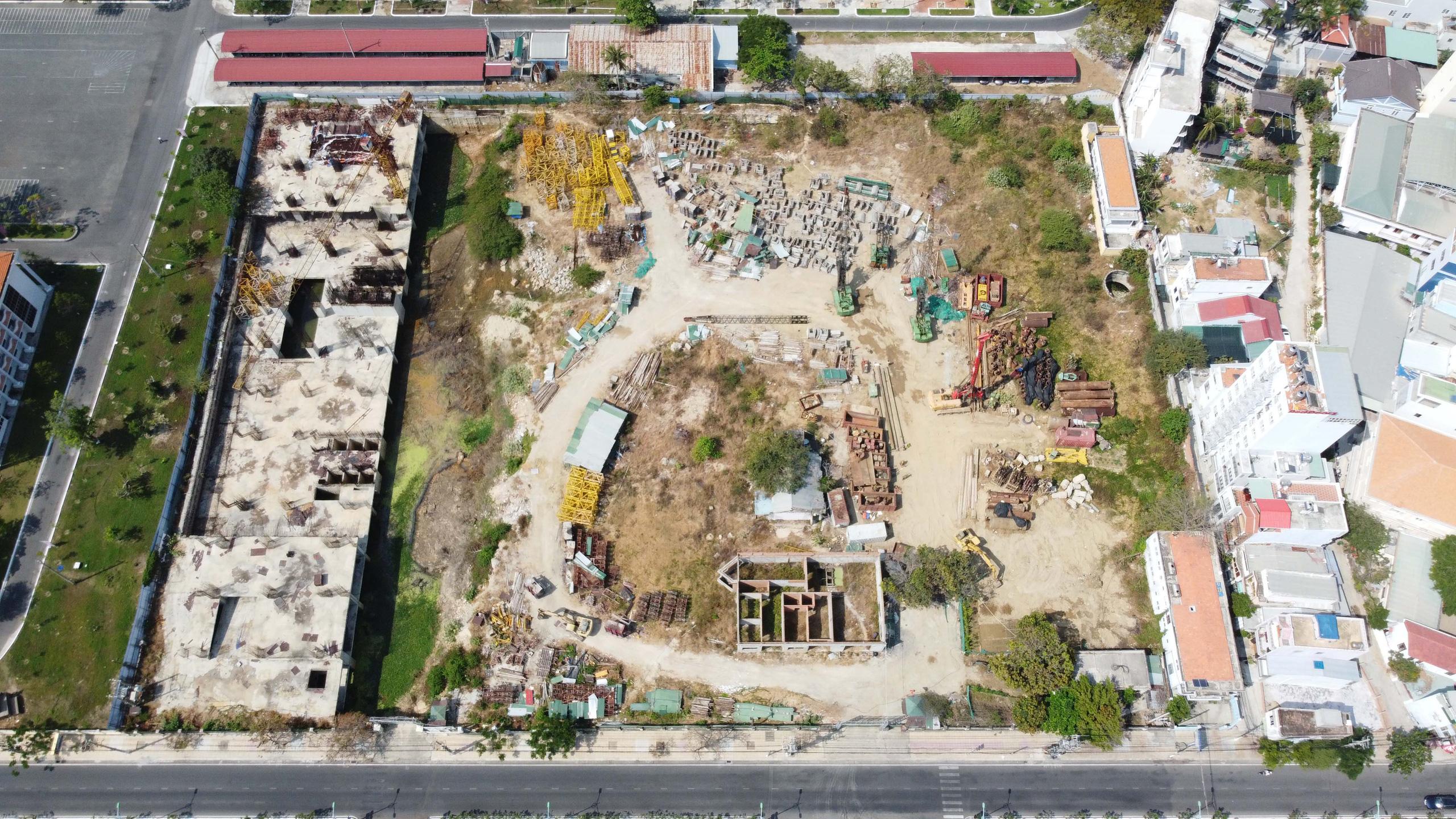 Hàng loạt dự án 'đất vàng' mặt tiền biển Nha Trang trở thành bãi hoang - Ảnh 11.