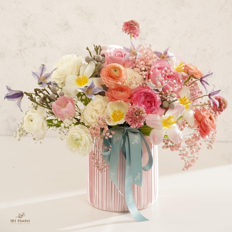 Tham khảo các mẫu lẵng hoa đẹp ngày 8/3 dành tặng phái nữ  - Ảnh 7.