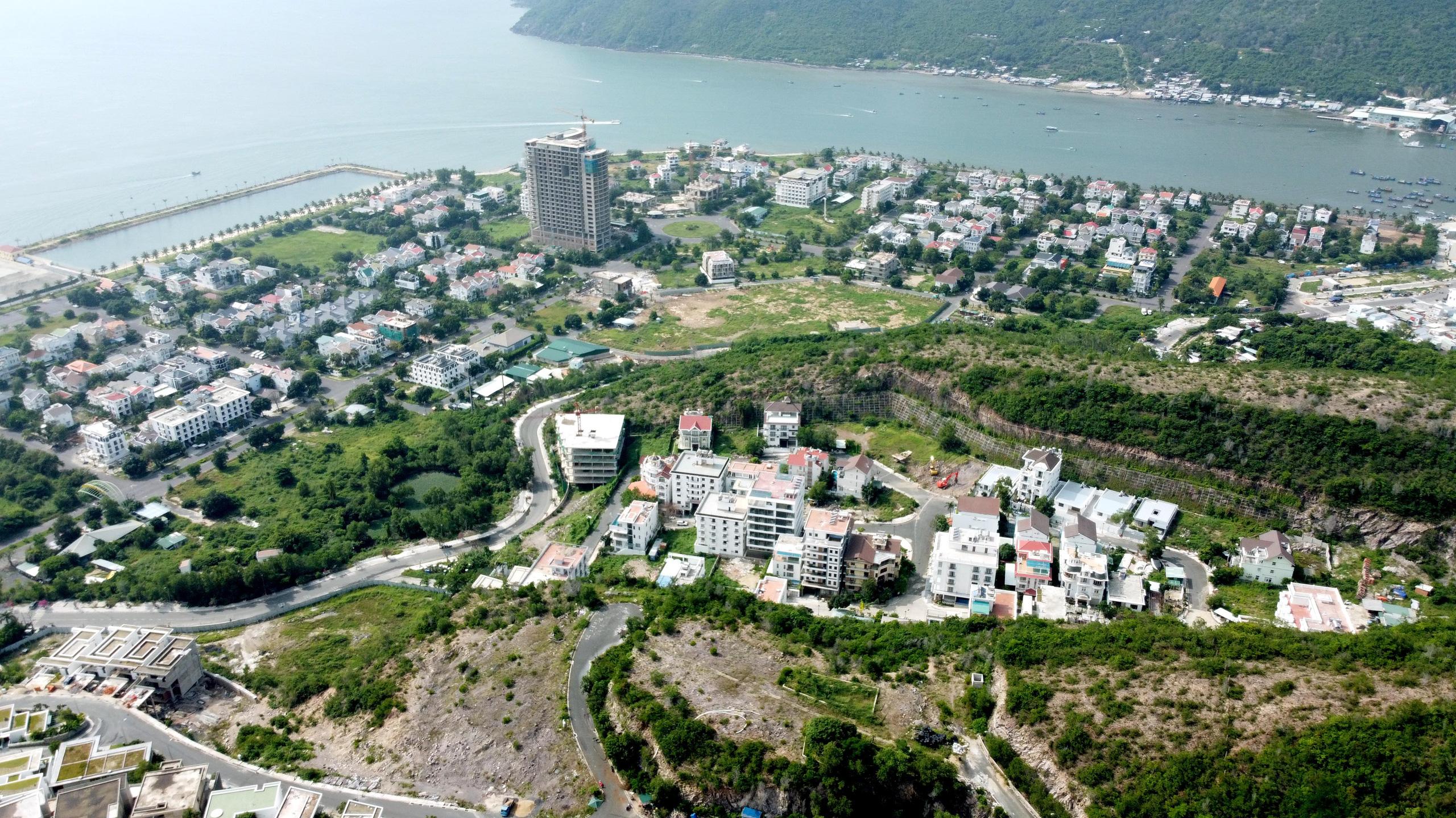 Thứ trưởng Nguyễn Thanh Nghị đề nghị làm rõ mật độ xây dựng, cao tầng trong điều chỉnh quy hoạch TP Nha Trang - Ảnh 3.