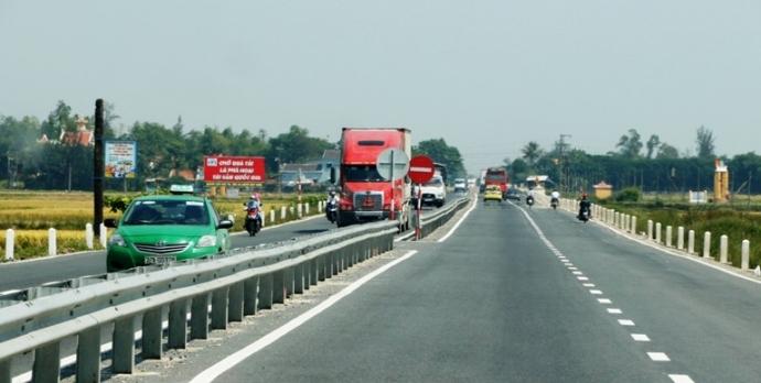 Quảng Nam: Sớm bàn giao mặt bằng 2 dự án giao thông trọng điểm - Ảnh 1.