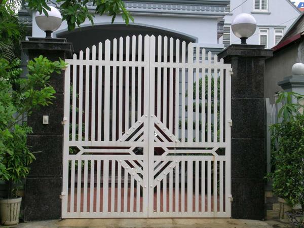 Gợi ý các mẫu cổng sắt đẹp, nổi bật trong năm 2021  - Ảnh 18.