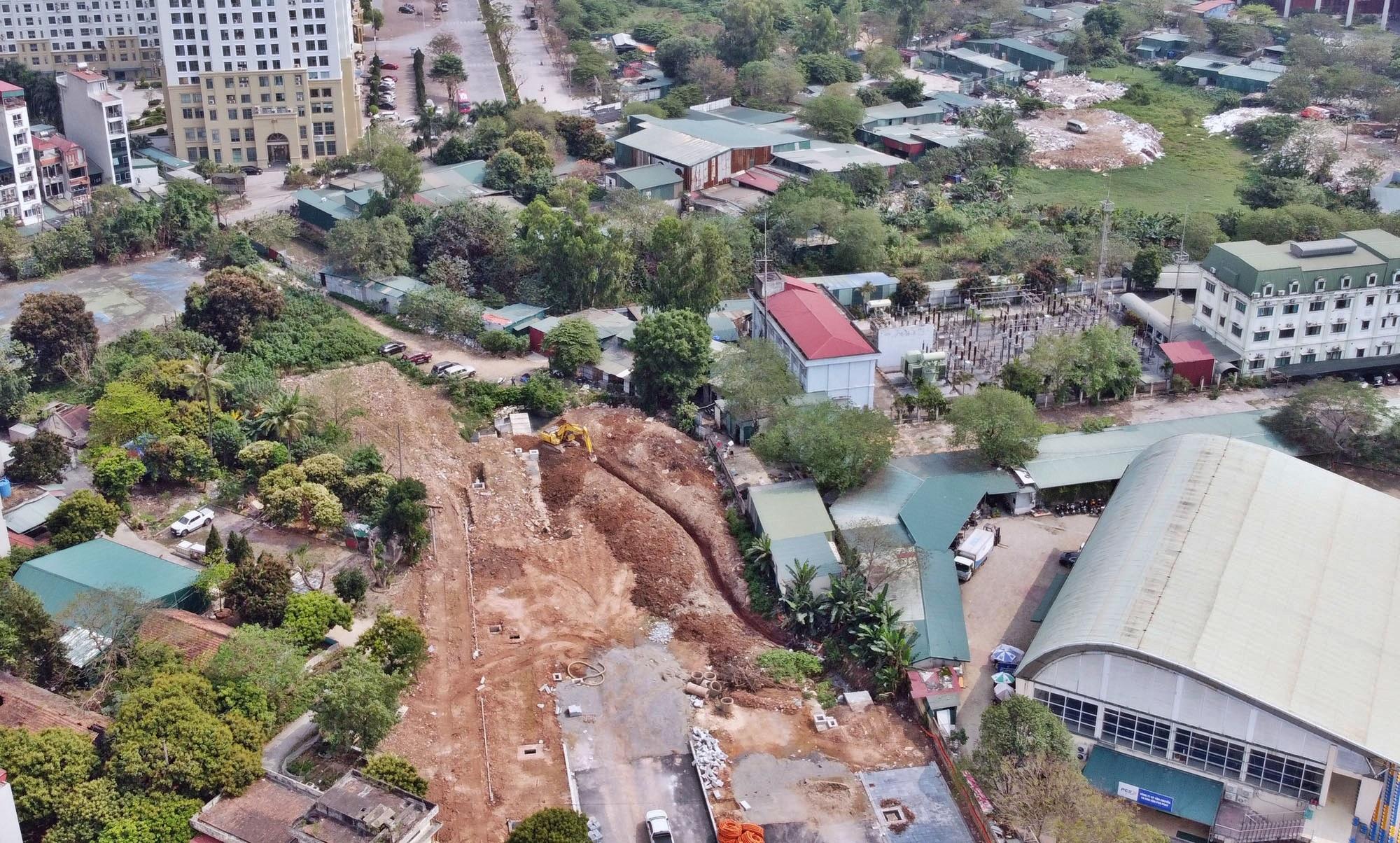 Toàn cảnh đường từ Vũ Quỳnh đến Lê Đức Thọ - Phạm Hùng đang mở theo quy hoạch ở Hà Nội - Ảnh 2.